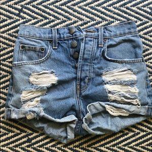 Highwasted jean shorts